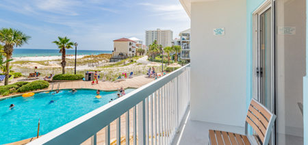 Beachfront Double Queen Hotel Room | Holiday Inn Express | Orange Beach AL | Featured Image